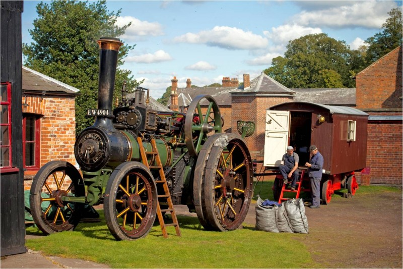 Tatton's steam engine at the Farm